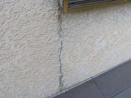 モルタル壁のクラック(ひび割れ)